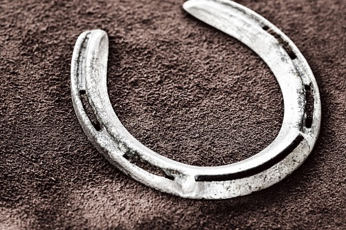horseshoe good luck
