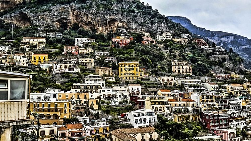 photo The Amalfi Coast is a popular tourist destination for the region and Italy  free for commercial use images