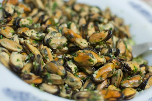 photo Mussels with Garlic festive day free for commercial use images